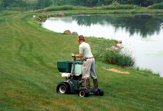 Lawn Fertilizing Rockford Lawn Fertilizing Contractors